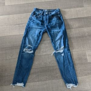 ✨3 fo$25 ✨ AE high waisted girlfriend jeans